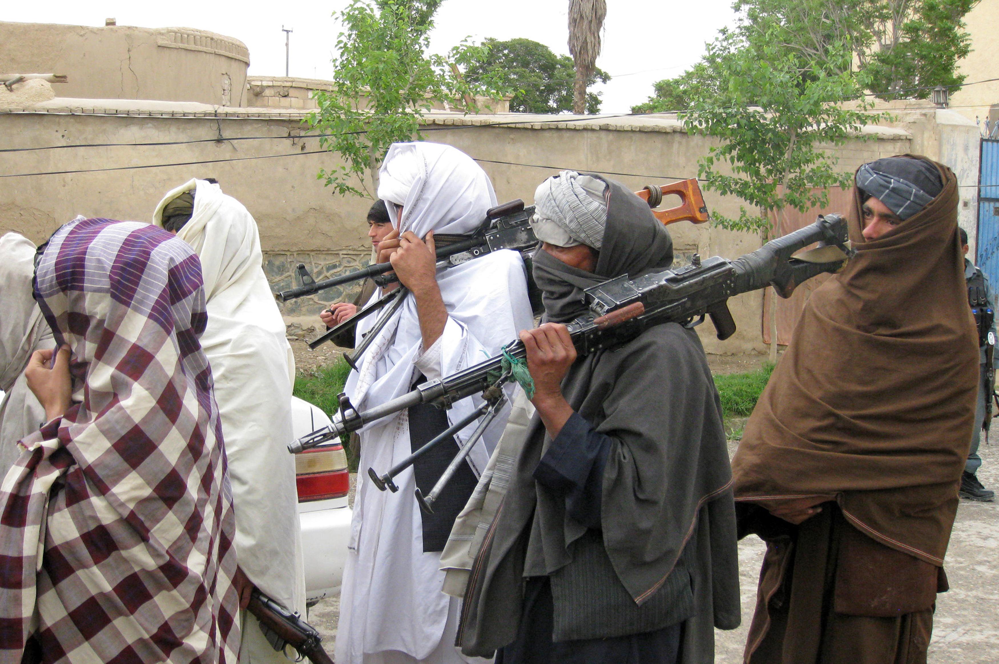 القاعده و طالبان