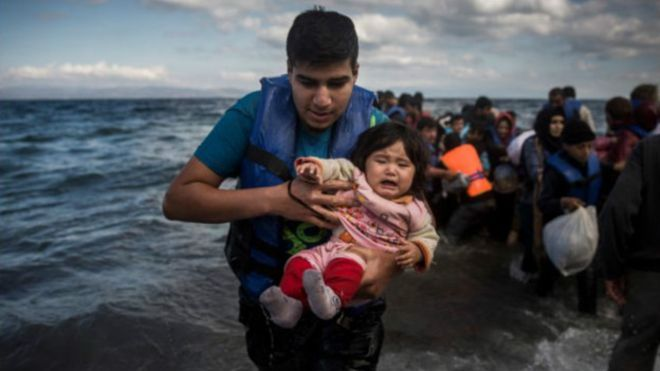 گزارشها میرسانند که رهبران اروپایی در جریان نشست اضطراری در بروکسل، پایتخت بلژیک، موافقت کردهاند که گنجایش مراکز استقبال از پناهندگان به اندازه ۱۰۰ هزار نفر افزایش یابد.