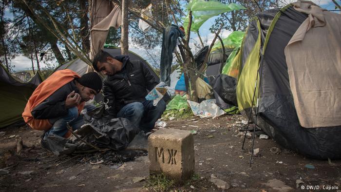 14هزار پناهجوی گیر مانده در مرز مقدونیه: هیچ کس به فکر ما نیست