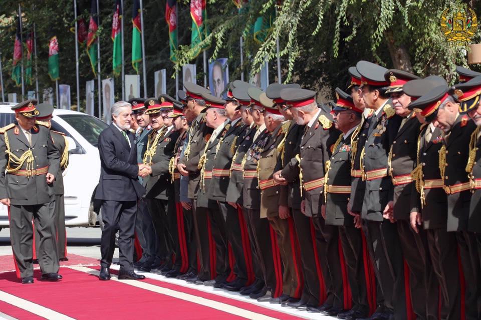 عبدالله عبدالله، رییس اجراییه حکومت وحدت ملی در وزارت دفاع ملی