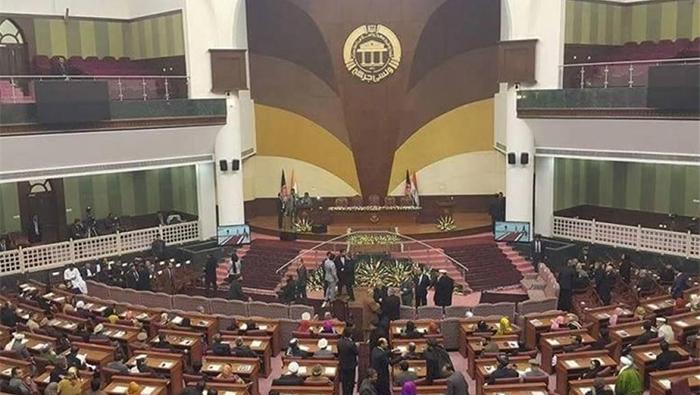 تعدیل بودجهی سال ۹۶، به رغم اختلاف نمایندگان، تأیید شد