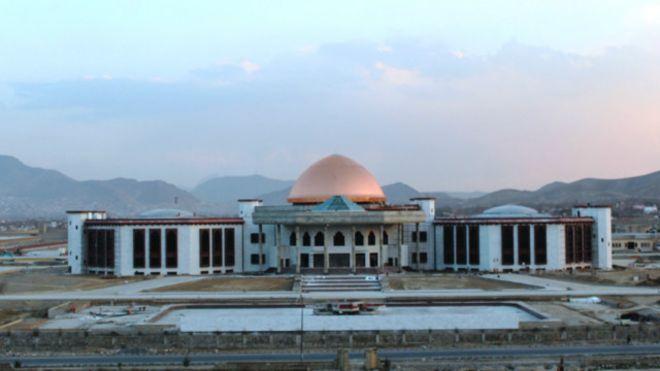 صحبتهای سری مقامهای امنیتی در پارلمان، انحصارگرایی ارگ را بیان میکند