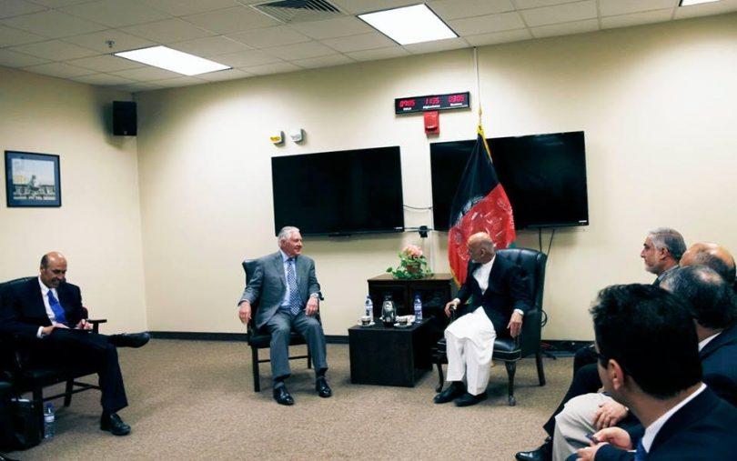 وزیر خارجه امریکا در سفر از قبل اعلام نشده به کابل با رییسجمهورغنی دیدار کرد