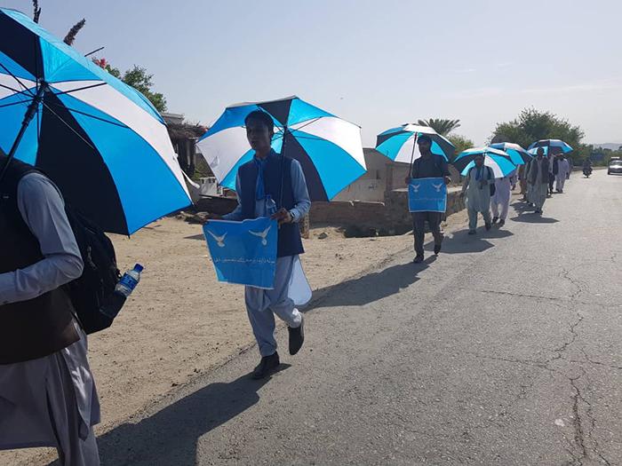 دومین کاروان صلح؛ هفت مهاجر افغان از پاکستان با پای پیاده به کابل میآیند