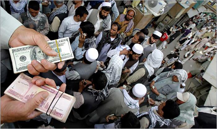 افزایش بیپیشینه ارزش دالر در برابر پول افغانی و کاهش قدرت خرید مردم