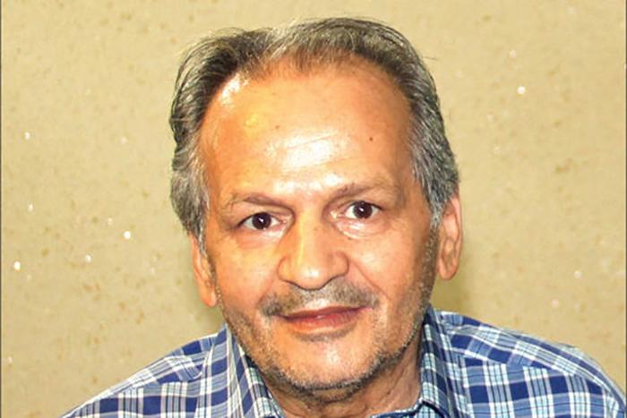 نویسندهی سرشناس افغان که در فقر راهی تیمارستان شد