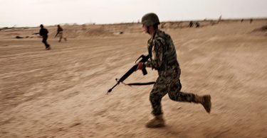 چرا دولت افغانستان آمار کشتهشدگان نیروهای امنیتی را پنهان میکند؟