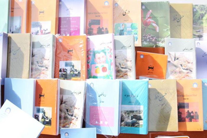 چاپ کتابهای درسی معارف به زبان سوم؛ طرحی برای تقویت زبانهای محلی