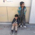 نبرد کودکان خیابانی با سرمای زندگی