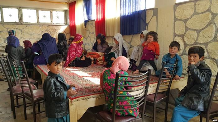 آوارگان جاغوری که در بامیان رسیدهاند