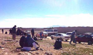 مسافران از جاغوری به کابل قاچاقی سفر میکنند