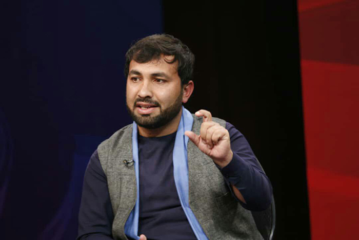 در گفتوگوهای کنونی صلح افغانستان با طالبان، به مردم سهم داده شود