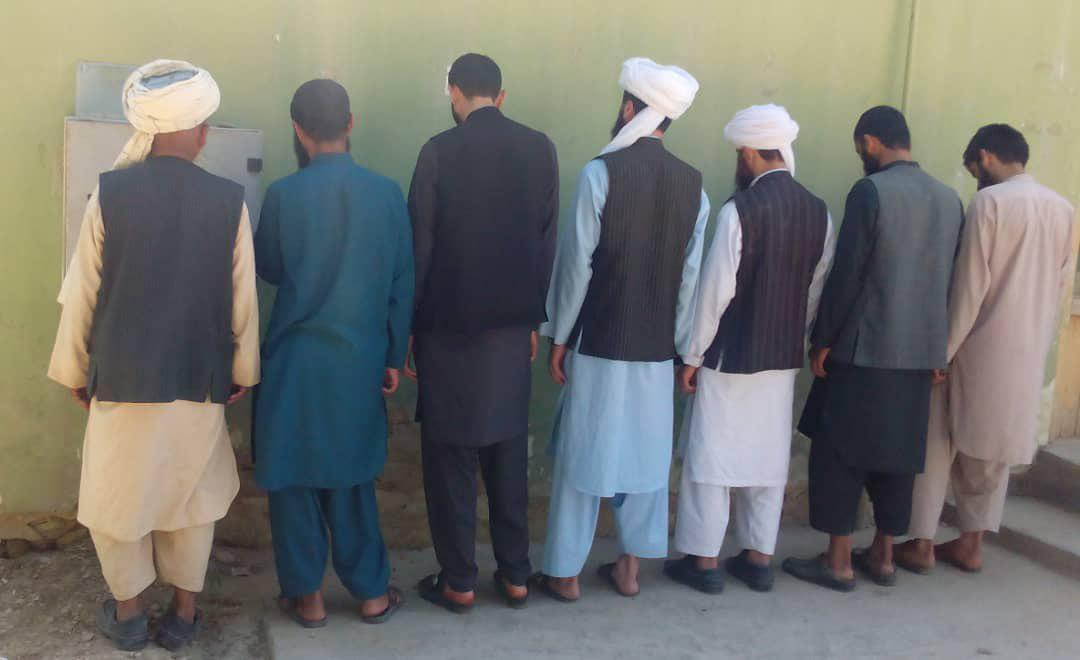 هفت همکار مسئول دادگاه نامنهاد طالبان برای ولسوالی پشتونکوت فاریاب بازداشت شدند