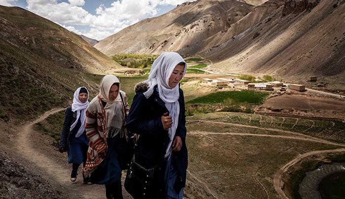 دختران مکتب رستم؛ درخشش امید در انتهای درهی محروم