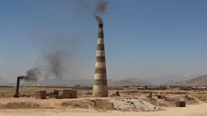 کار و زندگی در بستر آلودگی؛ از فرصتهای شغلی تا چالشهای محیطزیستی در کورههای خشتپزی