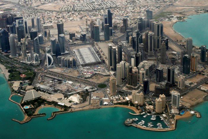 لامبورگینی، برقع، سکسپارتی و میدان اعدام؛ در قطر چه میگذرد؟