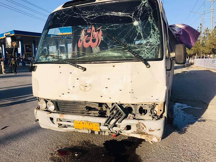 حمله بر کارمندان یک تلویزیون خصوصی در کابل دو کشته و چهار زخمی برجای گذاشت