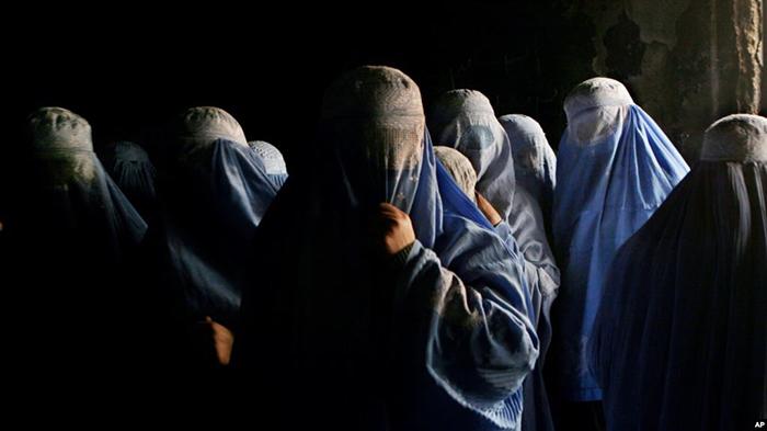 فراموششدگان بیسرنوشت؛ زنانی که جایی برای رفتن ندارند