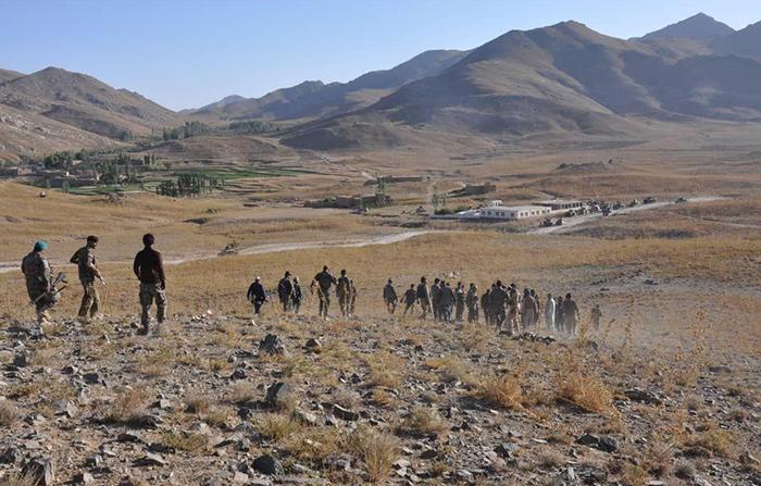طالبان از مسافران در شاهراه کابل - غزنی اخاذی میکنند