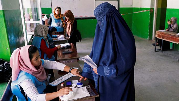 مشارکت پایین مردم در انتخابات و پیامهای آن به نخبگان سیاسی کشور