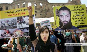 مبادلهی زندانیان؛ انس حقانی به قطر رسید، طالبان دو استاد دانشگاه امریکایی افغانستان را آزاد کردند