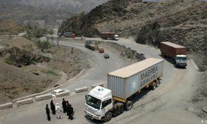 طالبان در شاهراه هرات - کابل از مسافران «بیگاری» میکشند