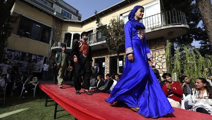 مدلینگ در افغانستان؛ خانمهای مدل با چه موانع و مشکلات روبهرویند؟
