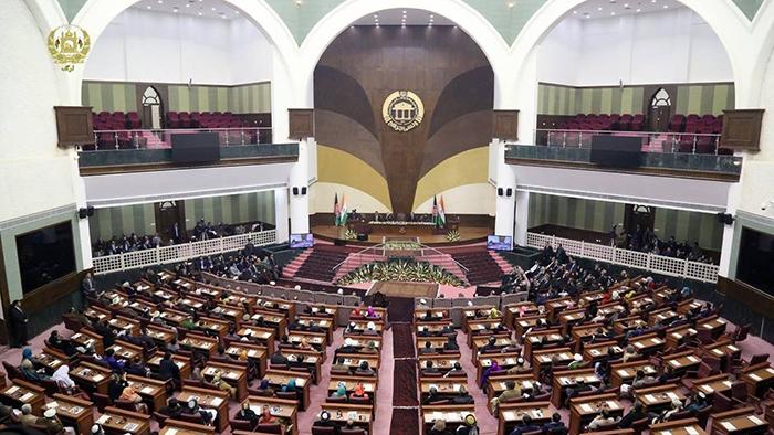 مجلس نمایندگان در واکنش به اظهارات صالح روند رأیدهی به نامزدوزیران را تعلیق کرد