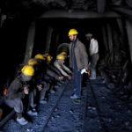استخراج غیرقانونی معادن؛ چالش بزرگ دولت، بلای جان کارگران: «سالانه دو-سوم زغالسنگ افغانستان به پاکستان قاچاق میشود»