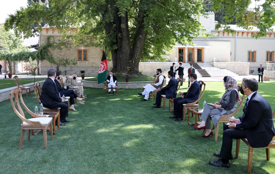 غنی با جنرال امریکایی در مورد روند صلح و حمایت از نیروهای امنیتی افغان گفتوگو کرد