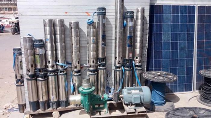 وقتی تجهیزات خریده شد، آب رایگان میشود (منبع: بیبیسی)