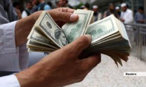 صنعتگران هرات میان دو سنگ؛ ایران مواد خام را به دالر میفروشد، بازرگانان اجازه برداشت دالر از بانک را ندارند
