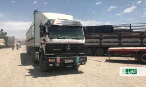 مشکل بیپایان رانندگان موترهای باربری شاهراه هرات-کابل؛ «هم پولیس و هم طالبان باجگیرند»