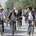 افزایش استفاده از دوچرخه پس از قرنطین؛ خانمها و آقایان کنار هم رکاب میزنند