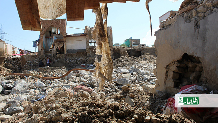 خانهی ویران بریالی و قریشه، در محاصرهی هزاران سنگ و خروارها گل است