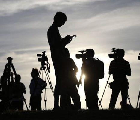 پاسخ به برخی مطالب از مقاله روزنامه «اطلاعات روز» با عنوان «دهان پرخون آزادی بیان»