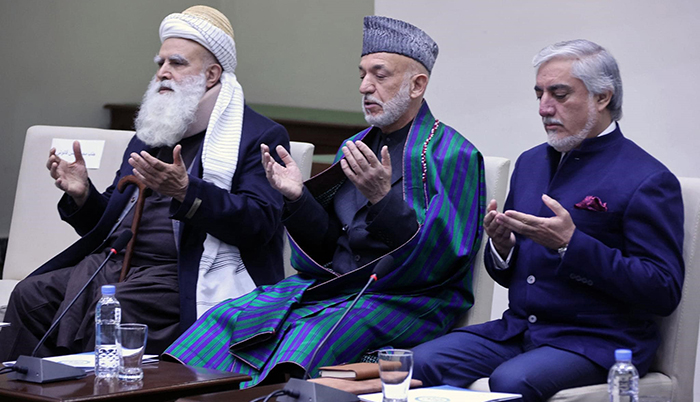 عبدالله عبدالله، حامد کرزی و عبدالرب رسول سیاف در شورای عالی مصالحه