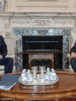 دیدار وزیر خارجهی امریکا با خلیلزاد