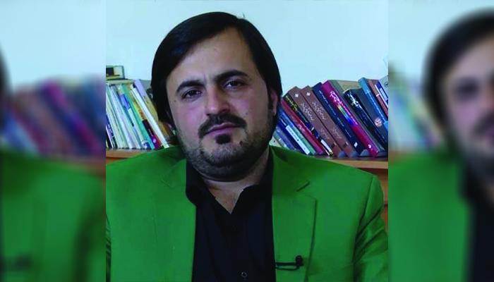 لطیف آرش، نویسنده و استاد دانشگاه
