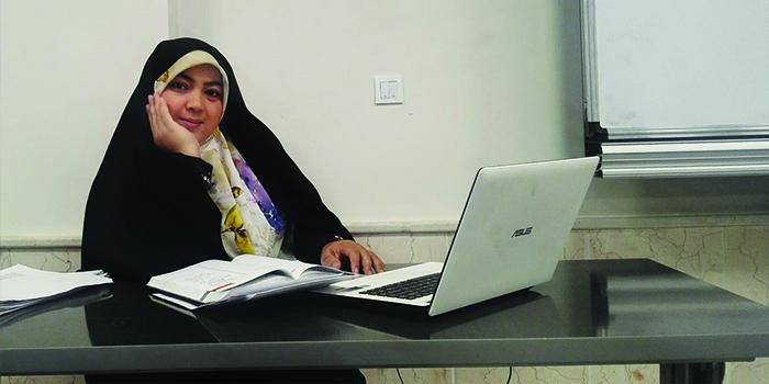 بتول سید حیدری، فعال حقوق زن و استاد دانشگاه/ عکس از شبکههای اجتماعی