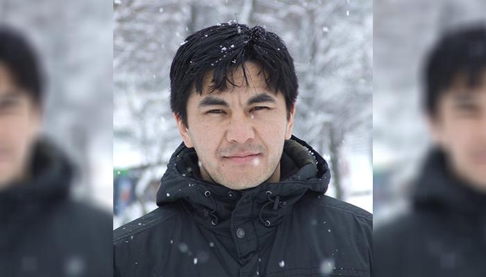 عبدالله وطندار، نویسنده و روزنامهنگار