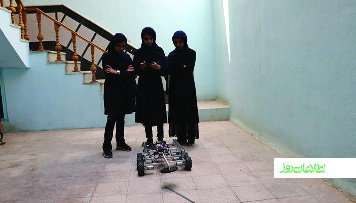 دختران رباتساز افغان از سهیم شدن طالبان در قدرت نگران هستند.