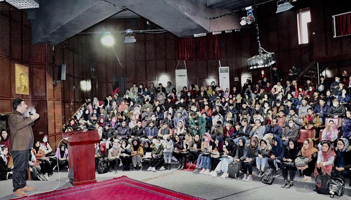 برنامه آموزشی استفاده از سیستم مدیریت آموزش تحصیلات عالی یا HELMS در دانشگاه کابل – عکس از وبسایت دانشگاه کابل