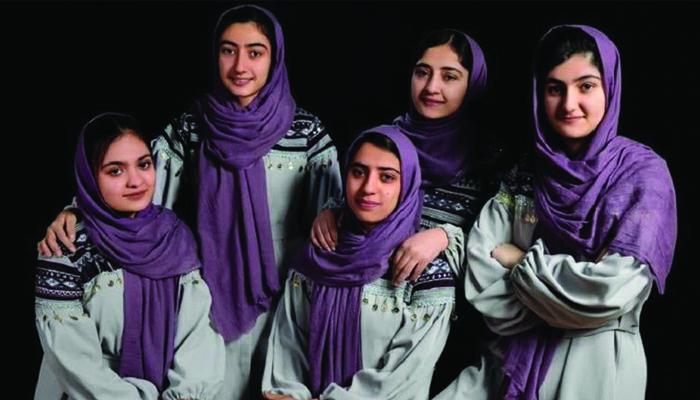 در ماه جاری، مجله فوربز، دختران رباتساز افغان را در فهرست ۳۰ دانشمند، مخترع و سرمایهگذار زیر سن ۳۰ سال در سطح آسیا معرفی کرده است.