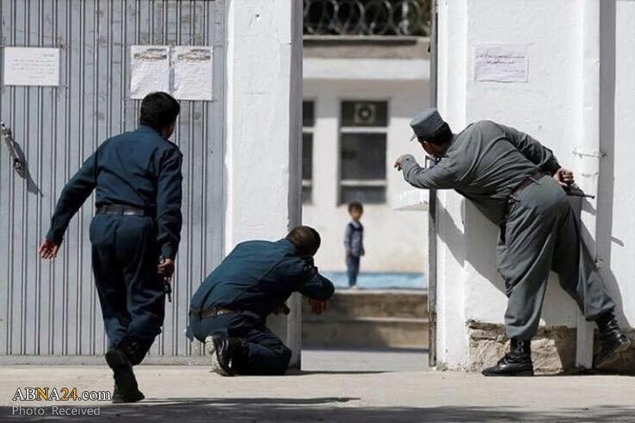 در ماه سنبلهی 1396، دو مهاجم مسلح و انتحاری به مسجد امام زمان در شمال کابل بر نمازگزاران هزارهتبار حمله کردند