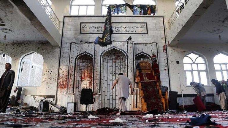 شامگاه یک روز پاییزی 1396 یک عامل انتحاری خودش را در میان نمازگزاران هزارهتبار مسجد امام زمان در غرب کابل منفجر کرد
