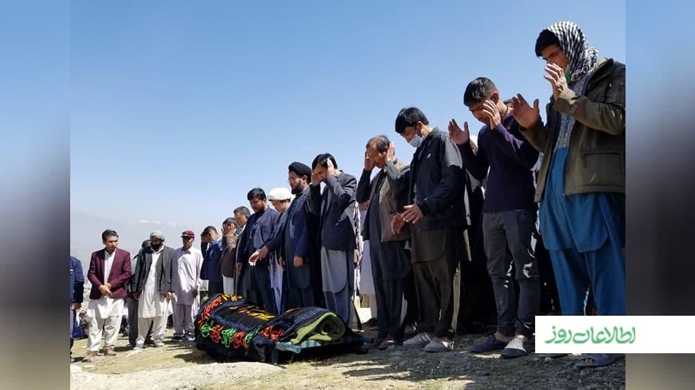 مراسم جنازهی یکی از قربانیان رویداد خونین مکتب سیدالشهدا در غرب کابل