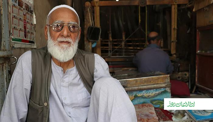 محمداصغر هنوز هم اشتیاق فراوان برای بافت لنگی و دستمال ابریشمی دارد و قصد دارد که تا آخرین لحظه زندگیاش ابریشمباف باشد.
