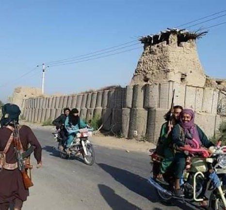 سقوط پیهم ولسوالیها؛ عقبنشینی تاکتیکی یا فرصت تبلیغاتی برای طالبان؟