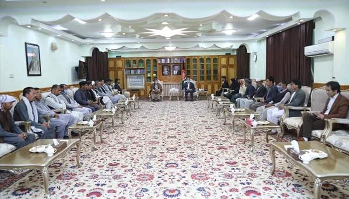یکی از نشستهای مشورتی سرور دانش، معاون دوم ریاستجمهوری با مردم برای تهیه طرح امنیتی غرب کابل